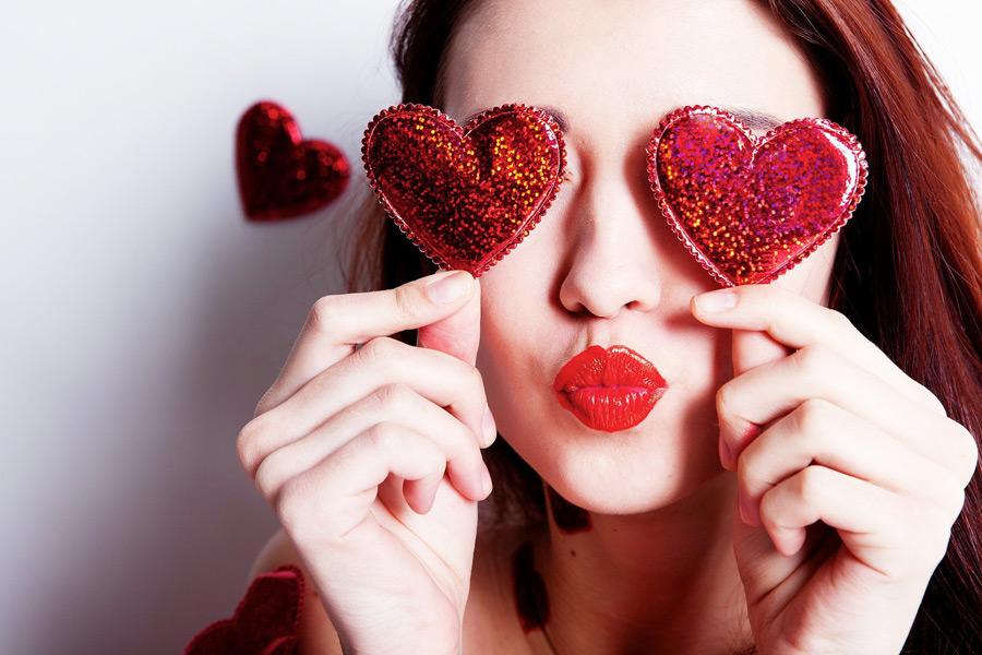Короткие смс-поздравления с Днем Влюбленных